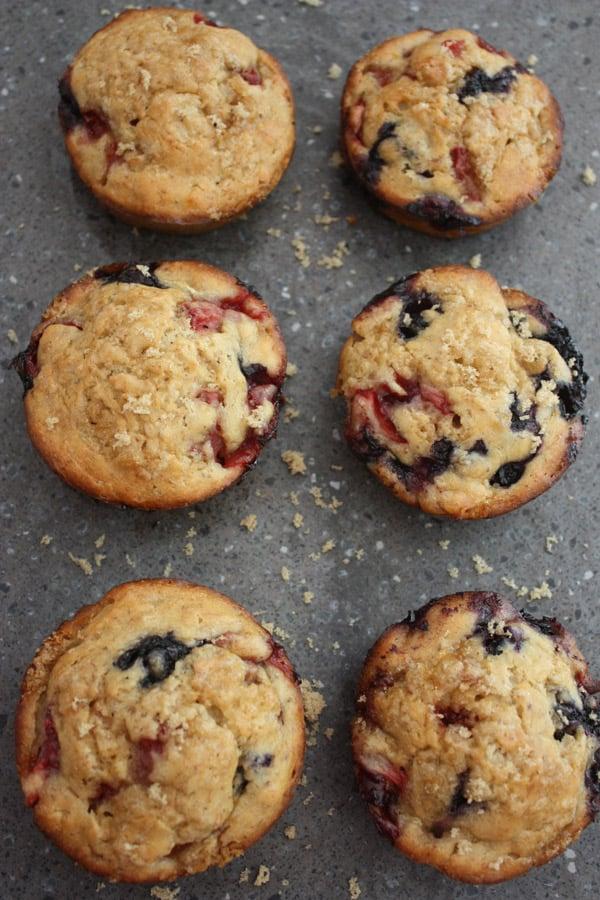Berry banana jumbo muffins